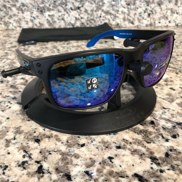 639ff2e9fa3 Oakley Holbrook PRIZM Polarized Sunglasses NEW